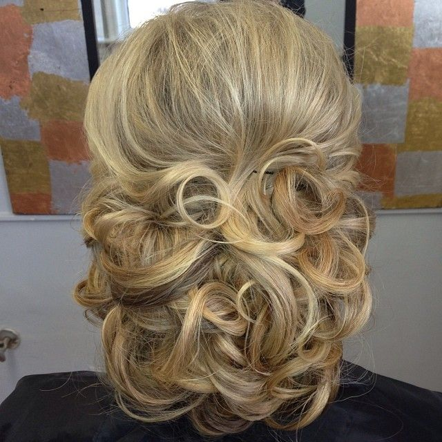 bridemaid hair styles 17 best images about mrs 3818