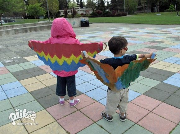 Paper bag wings using large grocery bags or cardboard. /I want to make this with Lexi and Logan next time they come to Kansas.