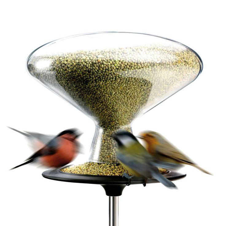 Awesome Bird Table von Eva Solo Hier trifft sich die heimische Vogelwelt Erstens ist