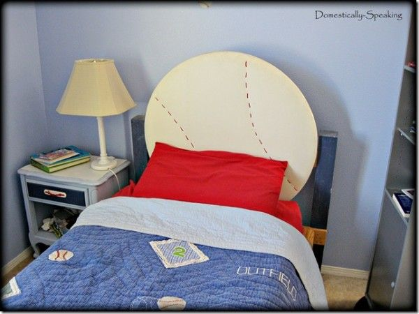 Canu0027t Find The Perfect Headboard For Your Favorite Sports Fan? How About  Making Your Own Baseball Headboard?