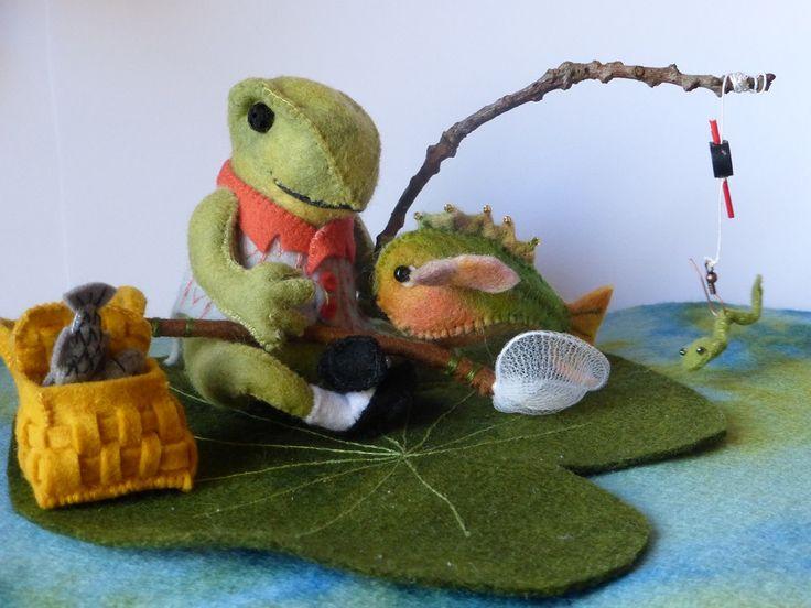 Jeremias aan het vissen Pakket van de kikker met net en blad, stekelbaasje en mand met vissen zijn 2 gratis patroontjes die je krijg bij dit pakket