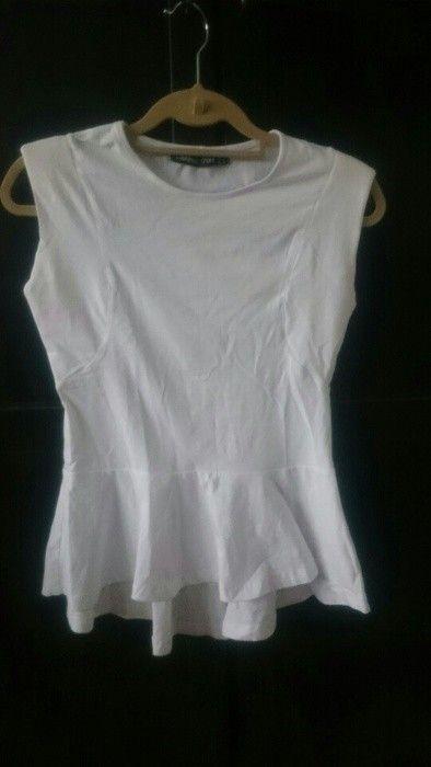 Süßes Peplumshirt in weiß