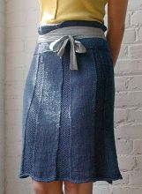 Shiroshakar is a flirty high waisted skirt with seed stitch texture and cable pleat details