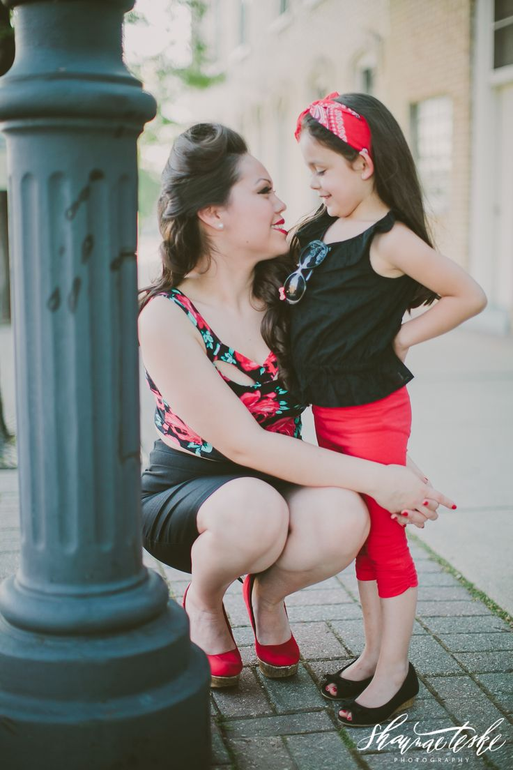 Retro Pin-up inspired Mother-Daughter Photo Shoot / Shaunae Teske Photography