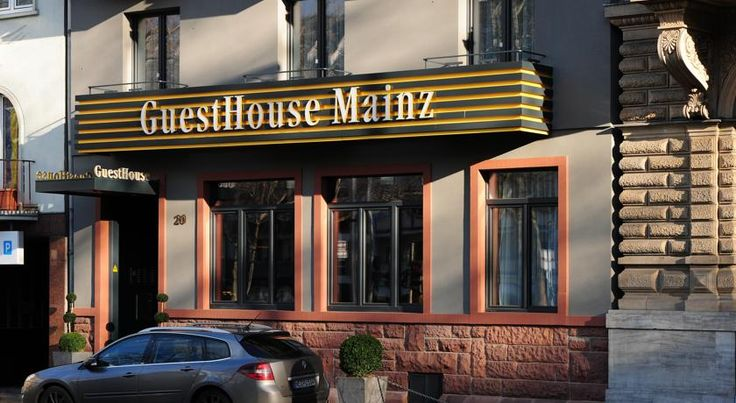 GuestHouse Mainz Mainz Situated just 300 metres from Mainz Train Station, this hotel offers modern studios with kitchens and free WiFi. GuestHouse Mainz is an ideal base for exploring the Rhine-Main region.