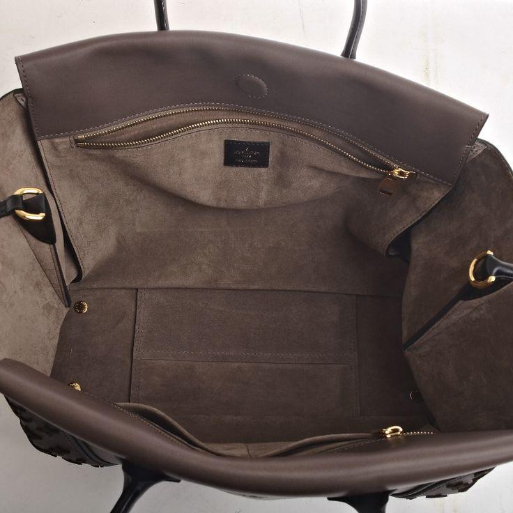 Louis Vuitton Gris Monogram Veau Cachemire W GM image 7