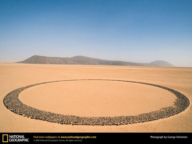 Mysterious Circle of Stones, Tenere Desert, Niger [1600x1200]. Broken Mirror Black MirrorNational ...