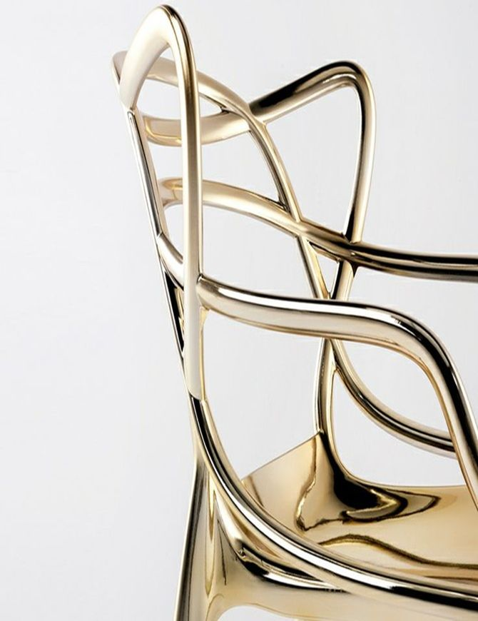 Masters chair by Philippe Starck  http://tempodadelicadeza.com.br/2014/04/13/salao-internacional-do-movel-de-milao-2014/