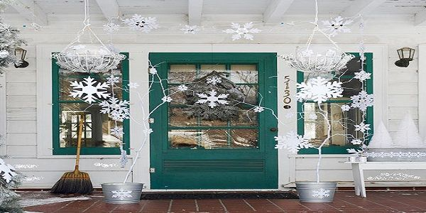 Christmas Decorating Ideas for Front Porch with Heavenly White Snow Flakes