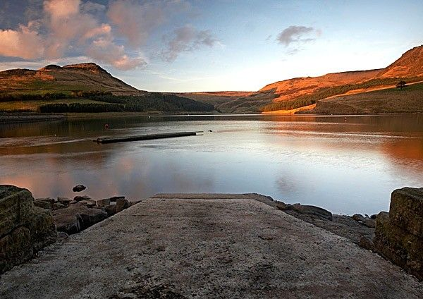 Dovestone Reservoir, Saddleworth www.thefrostery.co.uk