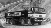 1979DAF staakt de productie van aanhangwagens en concentreert zich op de ontwikkeling en productie van zware en middelzware trucks.