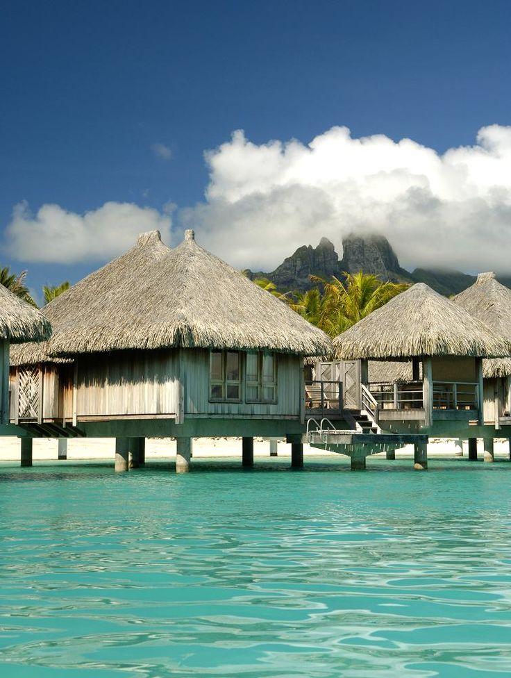 17 best images about overwater bungalows on pinterest for Bungalows flotantes en bora bora