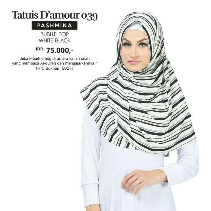 Pashmina Hijab / Kerudung Persegi Panjang  Size : 175 x 75 cm Bahan : Bubble Pop Warna : White Black  Tersedia juga warna White Navy, Navy & Black