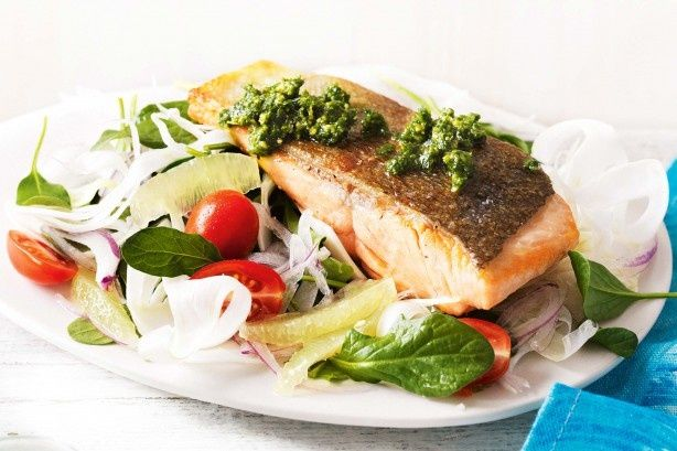 Crispy salmon with pesto and fennel salad