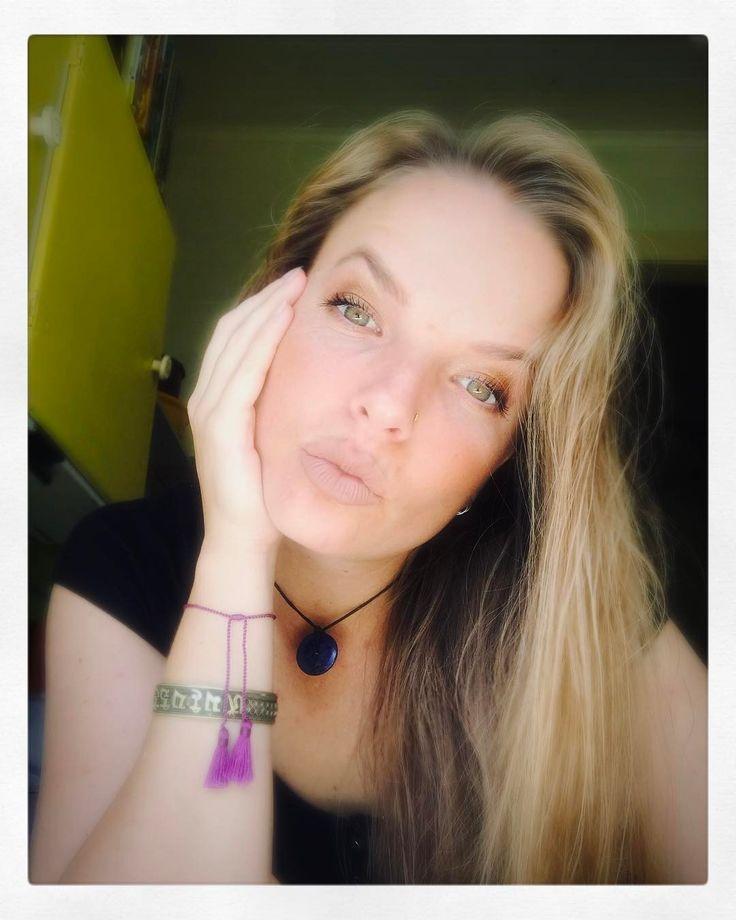 When you find that right light and feel the need to document it  - - #vegan #vegansunite #govegan #vegangymjunkie #crueltyfree #livecrueltyfree #compassion #compassionatelife #vegansofig #vegansofinstagram #vegansofaustralia #duckface #gymjunkie #vegans #vegangirl #veganfit #plantpowered #feelinggood #theveganawakening #veganfood