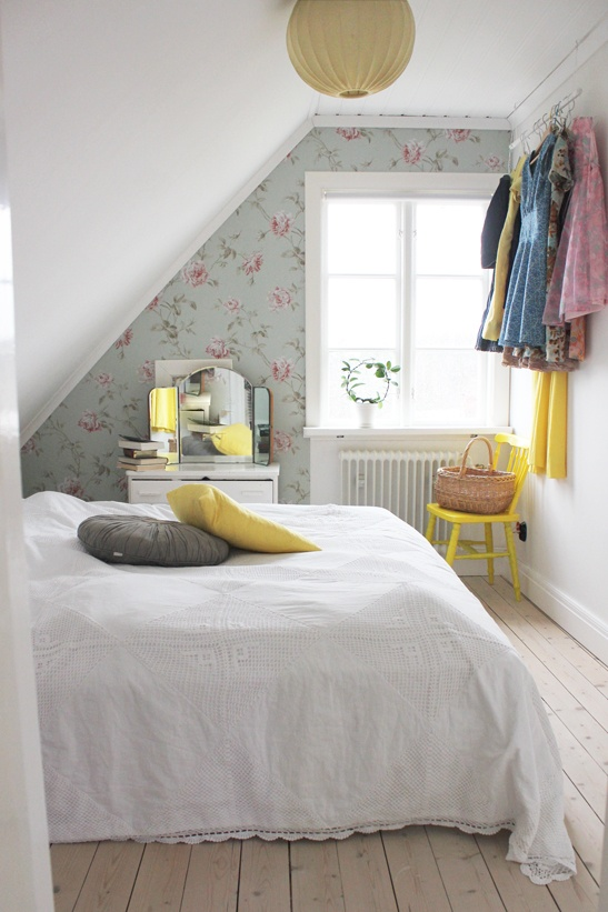 bedroom.. this photo makes me want to live in an attic-style bedroom so it can look like this