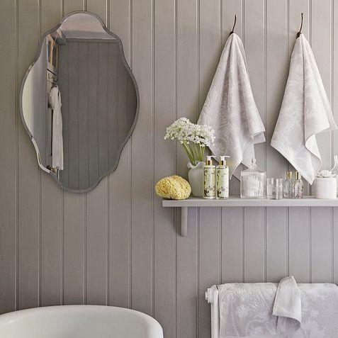 ¿Tienes ganas de pintar las paredes de tu baño? ¡Con Autentico Versante puedes! Su capacidad de control de humedad y su transpirabilidad hace que sea la pintura perfecta para superficies exteriores y zonas interiores con elevada humedad como cocinas, paredes y muebles de baño. También es perfecto para grandes superficies ya que no tendrás que sellarla. Además Autentico Versante es resistente a los UV, no requiere de imprimación y su contenido es bajo en VOC. ¡Disfruta de tu momento…