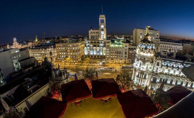 De día y de noche, espacios con grandes vistas para picar algo o tomarse una copa
