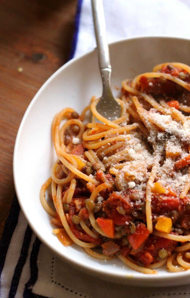 spaghetti with vegetarian lentil bolognese from @joanneeatswell