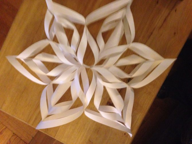 How to Make a 3D Paper Snowflake: 12 Steps (with Pictures)