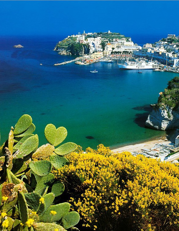 Ponza, Italy: 3 weeks until I am swimming in the sea