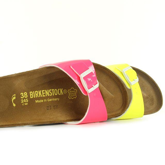 Les pieds en éventails avec la collection #Madrid de #Birkenstock ! ☀️ Réf : 0439843 (jaune) / Réf : 0439793 (rose) #été #sandale #tong #soleil #plage #Lifestyle #Style #Femme #mode #U23