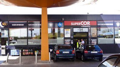 El Corte Inglés abrirá 50 tiendas Supercor en las gasolineras de Repsol