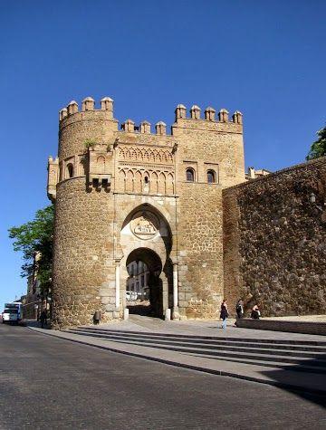 Puerta de Bisagra Nueva - Toledo, Spain