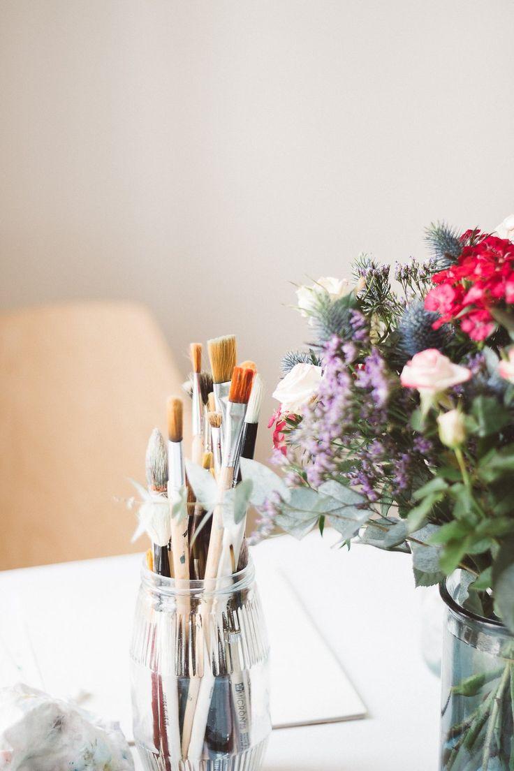 pinceaux aquarelle et bouquet - Progresser en aquarelle - 10 astuces: inspiration, matériel, tutoriels, organisation, etc.