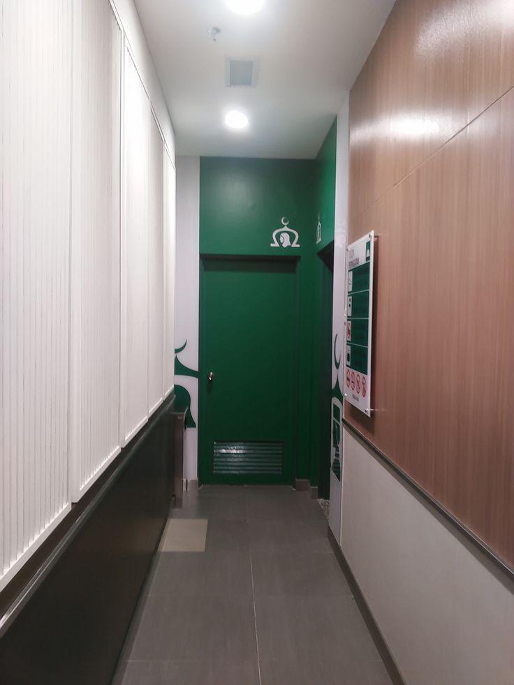 corridor to the musolla (musolla AEON quill city mall)