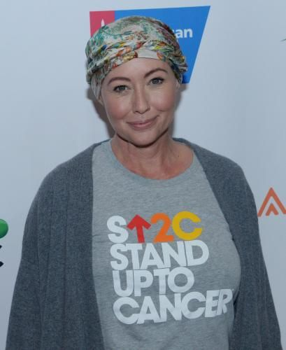 nice Shannen Doherty walks red carpet after finishing chemo: 'I feel great' Check more at https://epeak.info/2017/03/06/shannen-doherty-walks-red-carpet-after-finishing-chemo-i-feel-great/