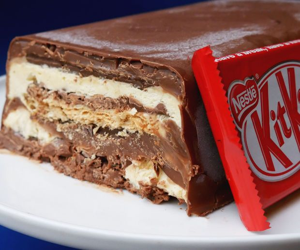 NO BAKE KIT KAT ICE CREAM CAKE