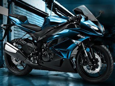 Kawasaki Ninja ZX-14R, black and blue, 186 mph top speed, surely a sight for sore eyes.