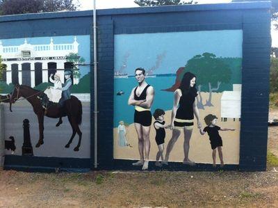 Mornington beach public toilets