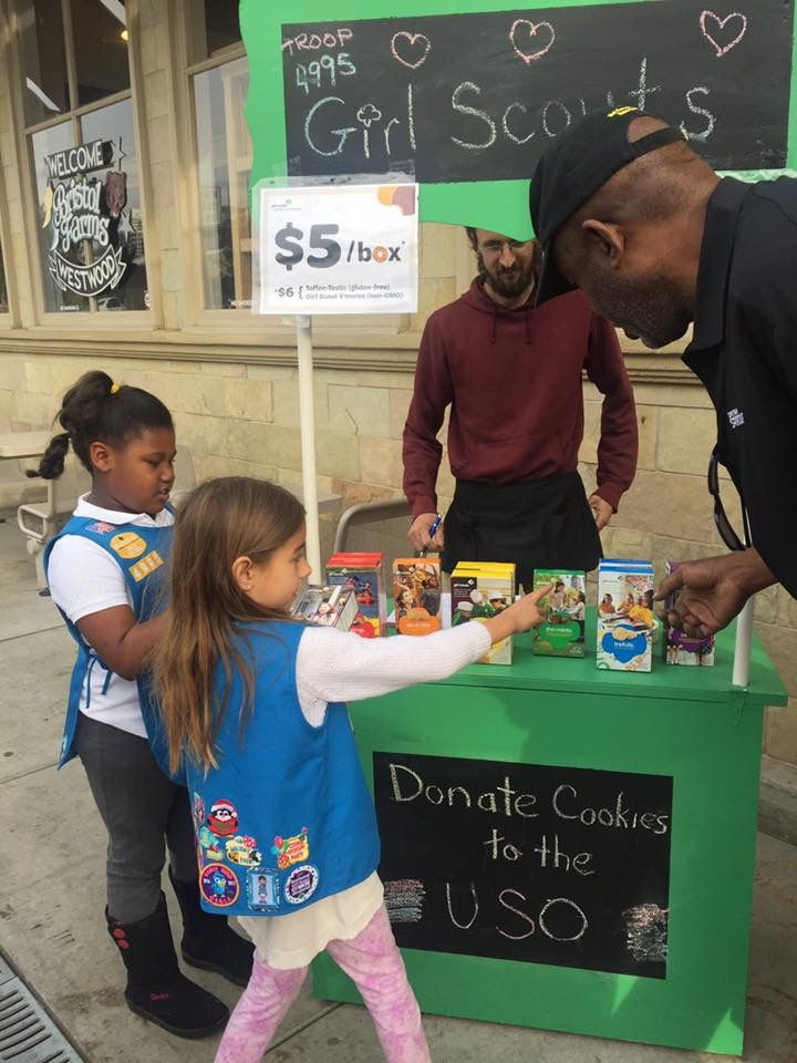 James Worthy getting his annual supply of Girl Scouts cookies! #dosidos #tagalongs 
