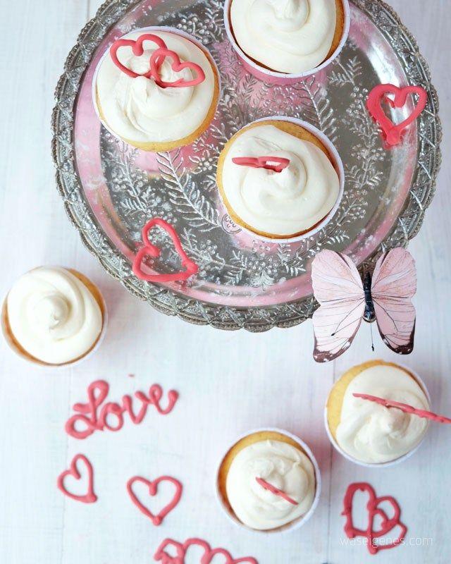ber ideen zu valentinstag cupcakes auf pinterest valentins cupcakes cupcake und kuchen. Black Bedroom Furniture Sets. Home Design Ideas
