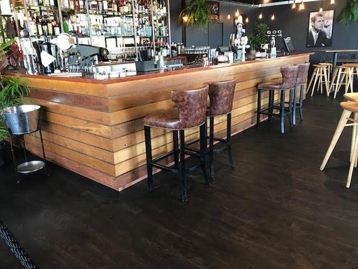 Vintage Espresso from Acoustic LuxFeel range at Loose Moose Broadbeach.  #goldcoast #flooring #evolvedfloors #luxfeel #darkfloors #vintageespresso #espresso #coffee #timber #timberfloors #roast #darkroast #leather #moose #loosemoosegc #gold coast #restaurant #resturantinterior #fitout #restaurantfitout #newfloors #broadbeach #moregoldcoast #theloosemoose
