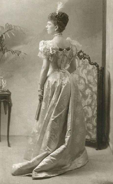 Queen Mary (1890s)Royal Families, Queens Mary, Mary 1890S, Royal Fashion, Royal Lady, Queen Mary, Victorian Fashion, 1890 S, British Royal