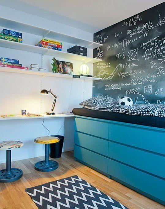 Bett selber bauen für ein individuelles Schlafzimmer-Design_kreative idee für selbstgebautes bett im kinderzimmer