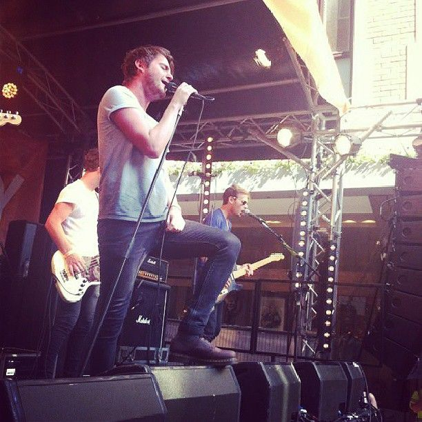 Sister is watching Kids In Glass Houses at #CarnabySound. #sisteris