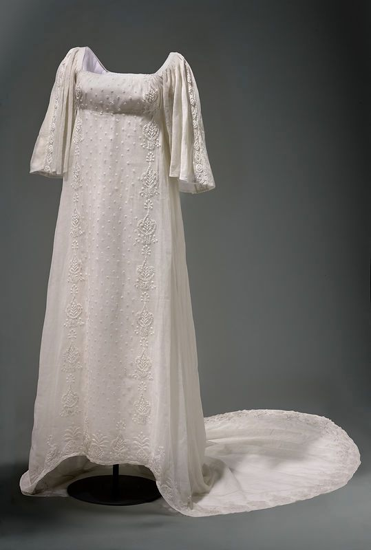 Dress of Queen Louise of Prussia by Anonymous from France or Germany, beginning of the 19th century, Muzeum Narodowe w Warszawie (MNW)