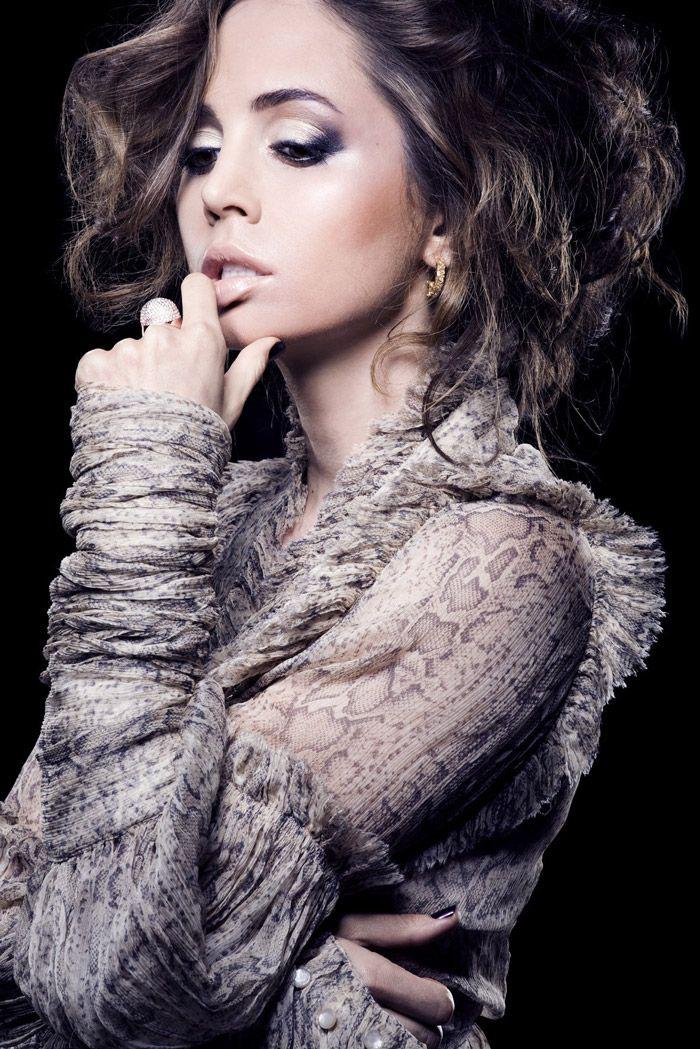 Eliza Dushku, MF magazine 2010