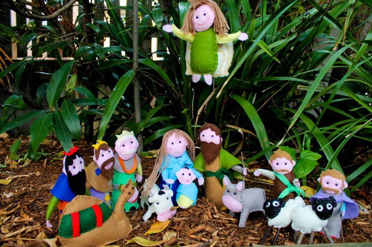 Christmas crib, Handmade felt dolls