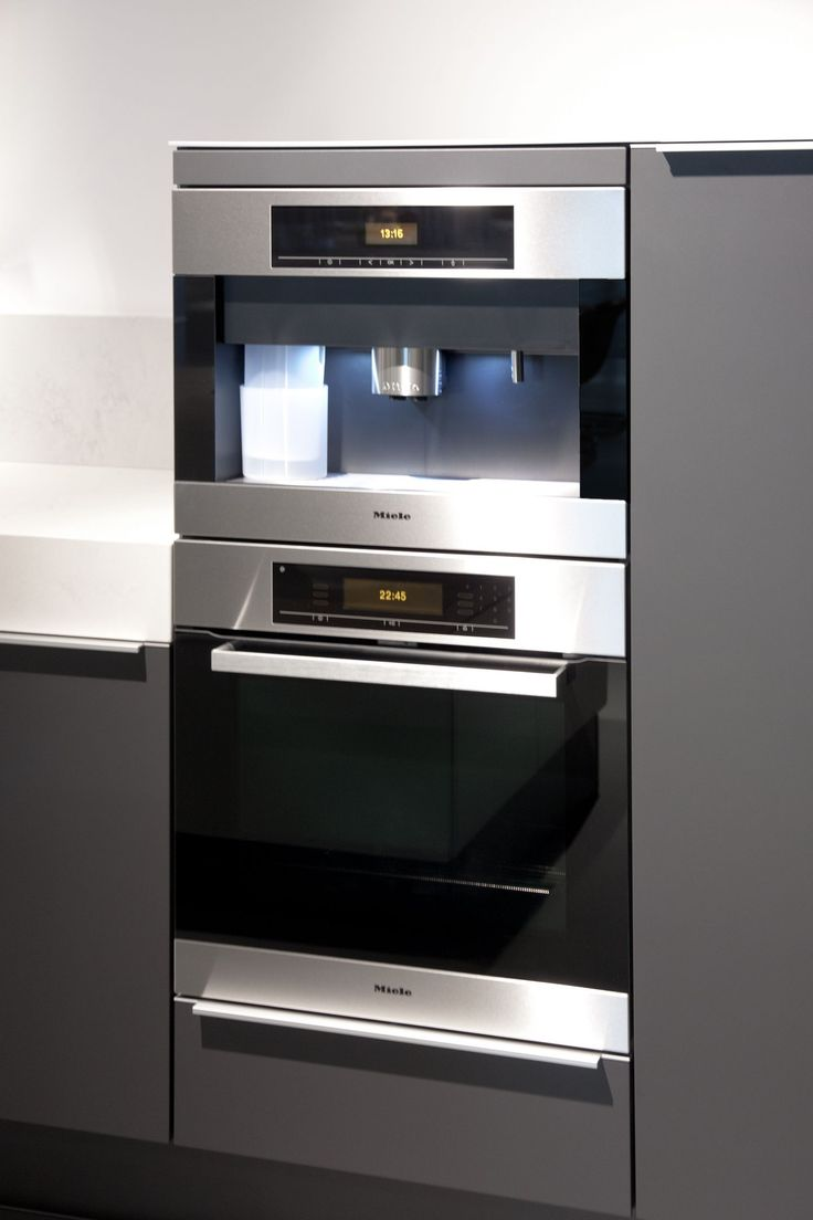 Inbouwapparatuur Miele in Poggenpohl keuken plusmodo #oven #koffieautomaat