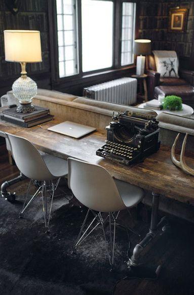 Bonne idée le double bureau derrière le canapé (mais avec d'autres meubles)