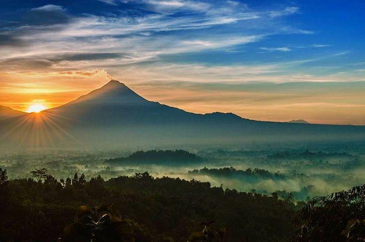 Paket Wisata Jogja Sunrise Punthuk Setumbu