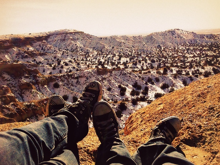 me and the boyfriend. photography. converse. canyon. snow. peace.