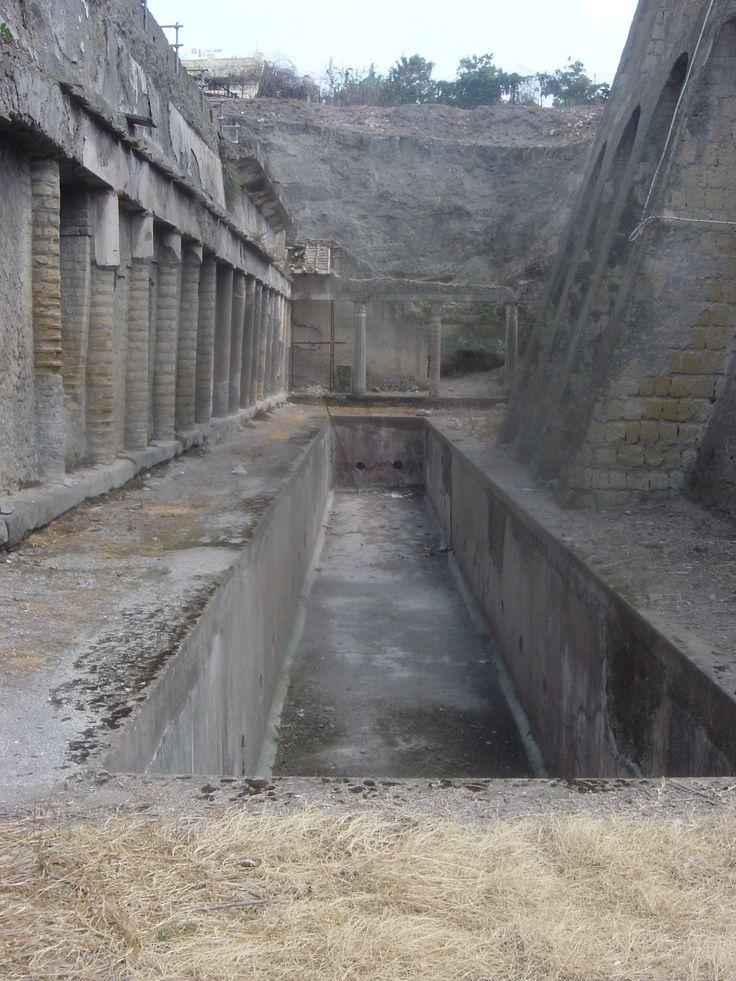 Swimming pool in Herculaneum