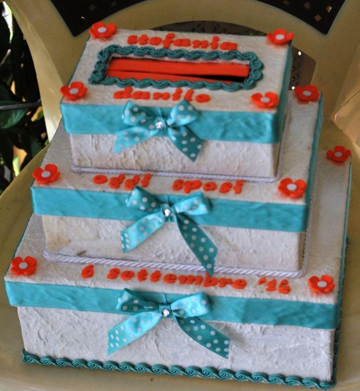 """box """"portasoldi"""" per matrimonio. in cartone e particolare iin gomma crepla."""