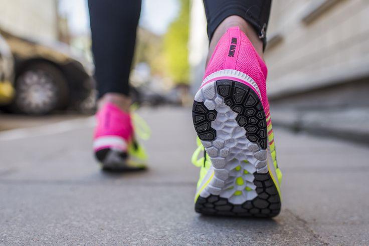 Model FLYKNIT STREAK OC to model startowy, który zapewnia niesamowite wsparcie podczas biegu przy zachowaniu niskiej wagi buta. Unikatowa kolorystyka związana z Igrzyskami Olimpijskimi 2016 w Rio de Janeiro.